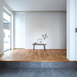 新築施工事例に「いつまでも優しさを感じる家」を追加しました。