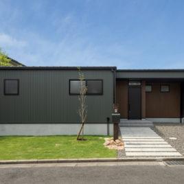 新築施工事例に「眺めと暮らす家」を追加しました。
