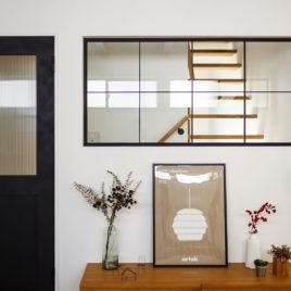 新築施工事例に「重なり合う、半平屋の家」を追加しました。