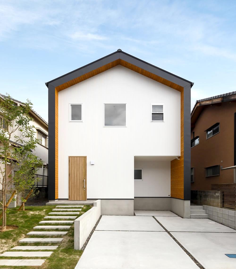 新築施工事例に「メリハリとつながりのある家」を追加しました。
