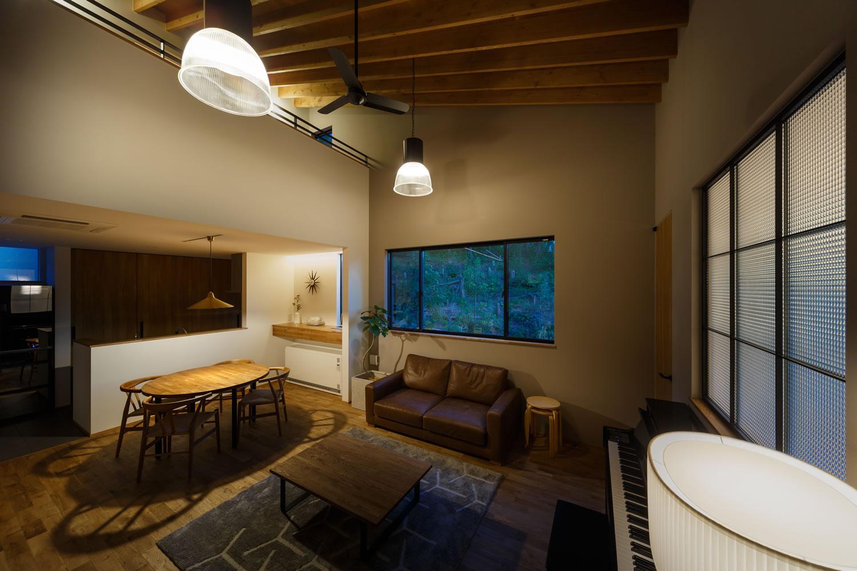 新築施工事例に「間隔と感覚を楽しむ家」を追加しました。